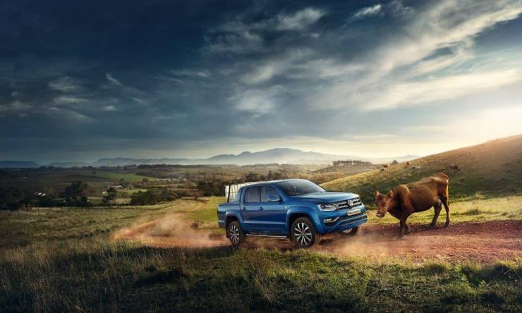V6_Blue_Amarok_Cow_ABS_LHD_CMYK