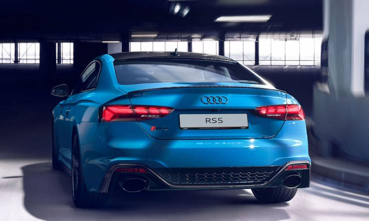 audi-rs-5-coupeblau-heck