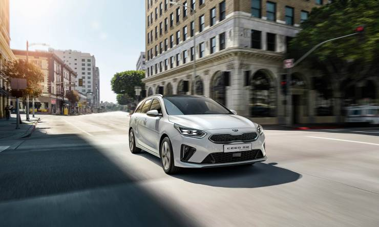 kia-cd-wgn-phev-my20-hybriddriving-w