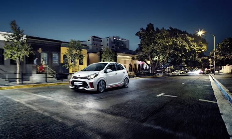 kia_picanto_go_discover_more._gt_line_my18_print_image_c-ud_(with_sunroof)_11761_65564