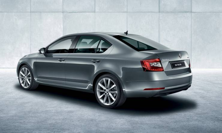 skoda-octavia-pa-m62-exterior-03.a4bb6ce0af66f30a67a58183acd7be32.fill-1920x960